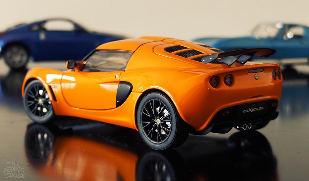 Lotus exige autoart chili pepper garage for Garage lotus